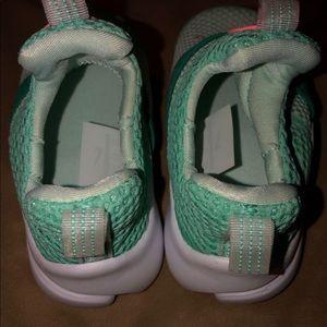 Nike girls sneakers size 5